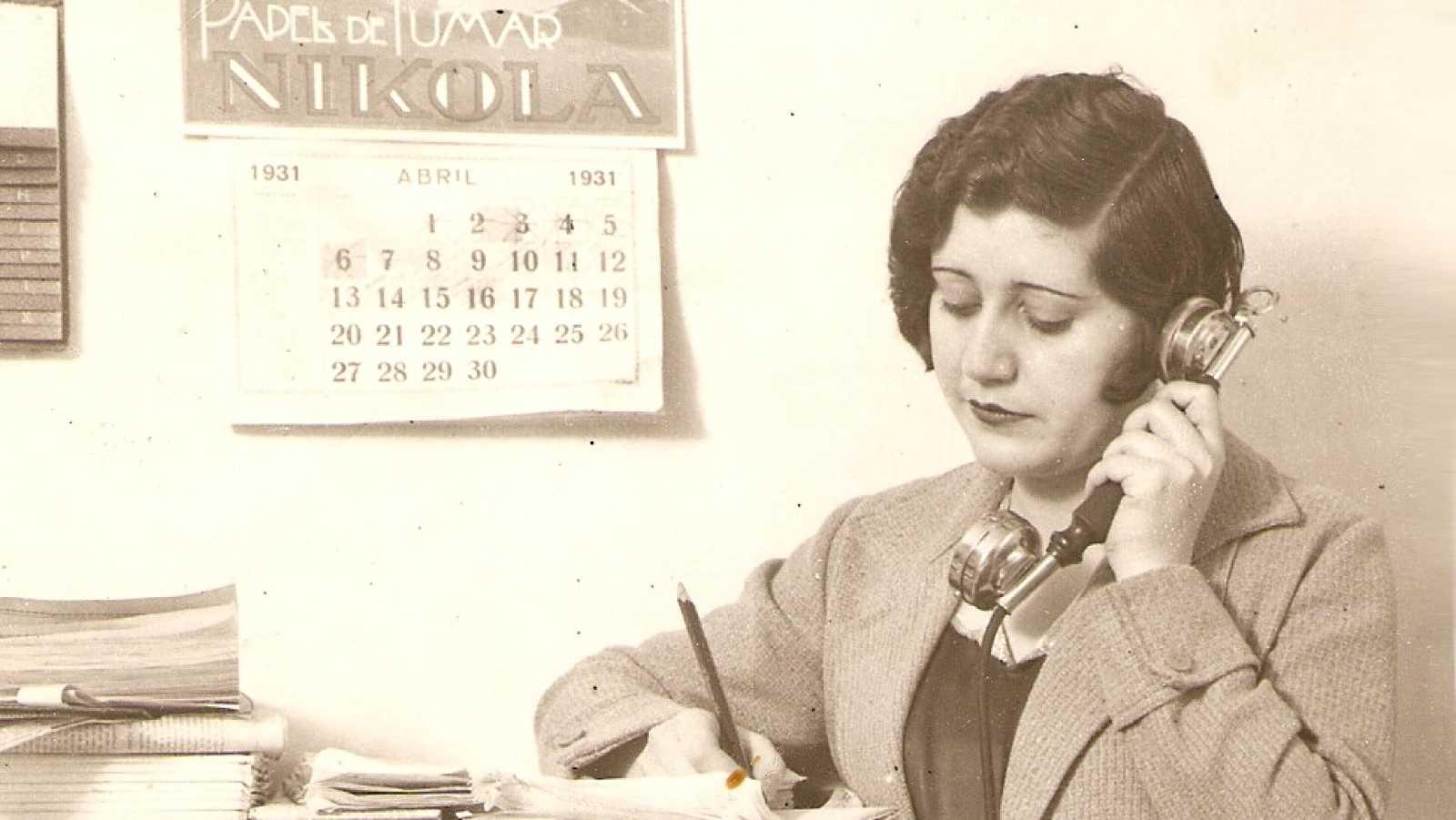 Punto de enlace - Josefina Carabias, primera mujer que ejerció el periodismo político