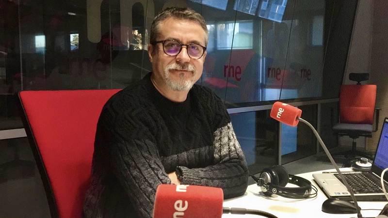 "14 horas - Alfredo Corell sobre el pasaporte inmunitario: ""Estar vacunado no implica estar inmunizado"" - Escuchar ahora"