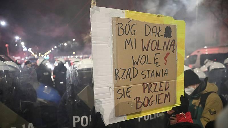 Las mujeres lideran las protestas de quienes defienden más calidad democrática
