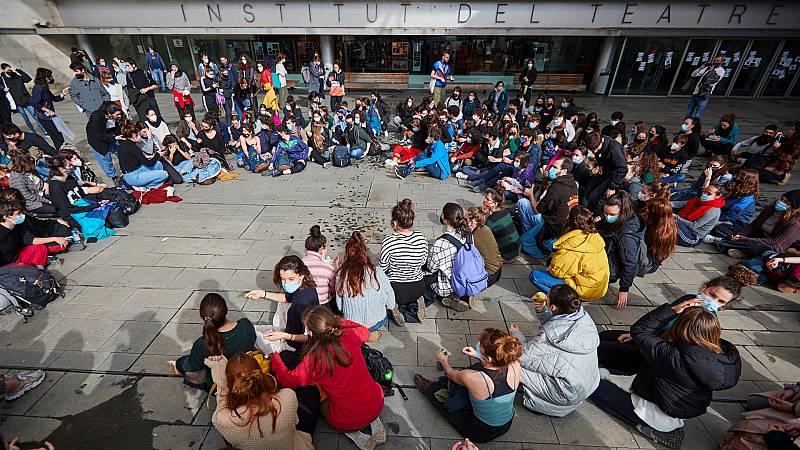 24 horas - Dimite la directora del Institut del Teatre y la cúpula del Escuela Superior de Arte Dramático de Barcelona - Escuchar ahora