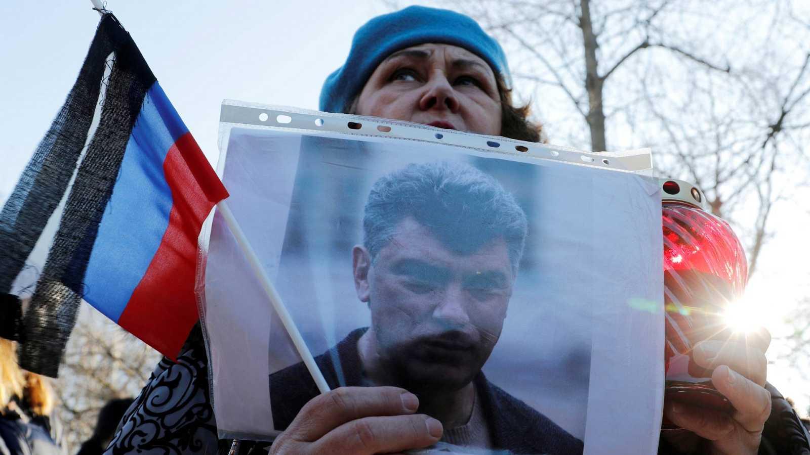 España a las 8 Fin de Semana - Seis años del asesinato del opositor Boris Nemtsov en Rusia - Escuchar ahora