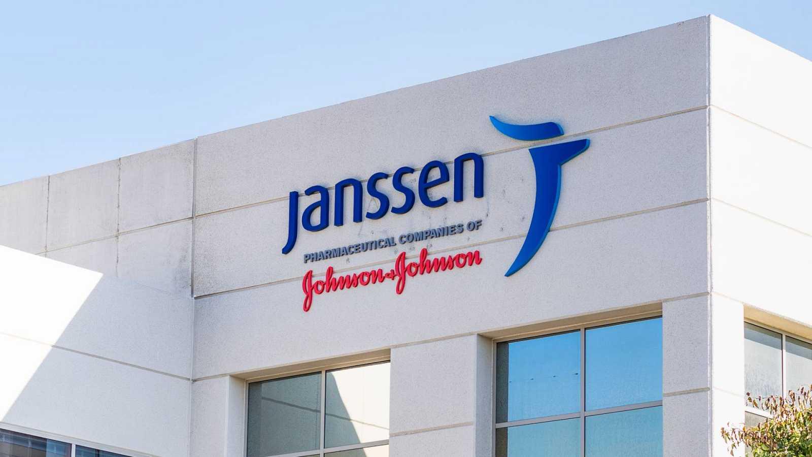 14 Horas Fin de Semana - Ya está la vacuna de Johnson & Johnson - Escuchar ahora