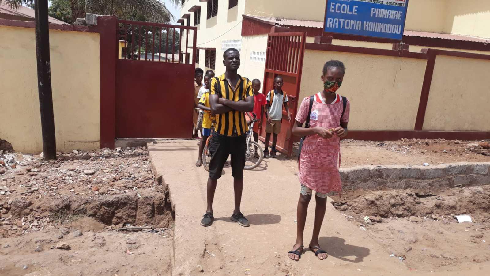14 horas Fin de Semana - En un centro de tránsito de Guinea: historias de fracaso y esperanza - Escuchar ahora