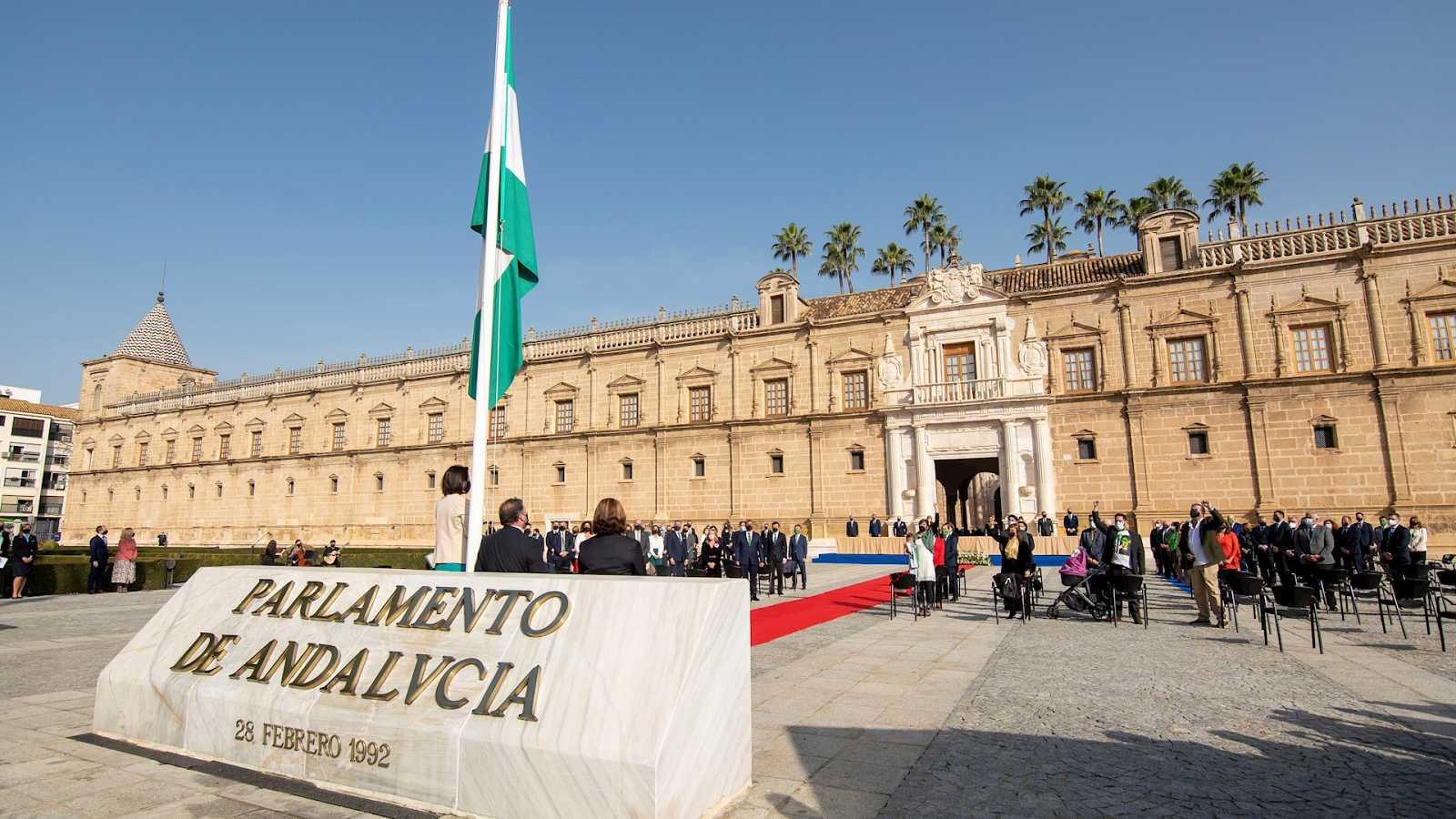 14 horas Fin de Semana - Homenaje a las víctimas de la COVID-19 en el acto institucional por el Día de Andalucía con la ausencia de Vox - Escuchar ahora