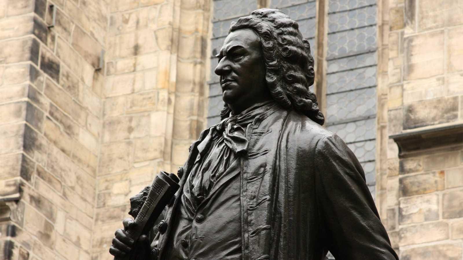 Cuento 'Señor Bach, ¿tiene un minuto?' - escuchar ahora