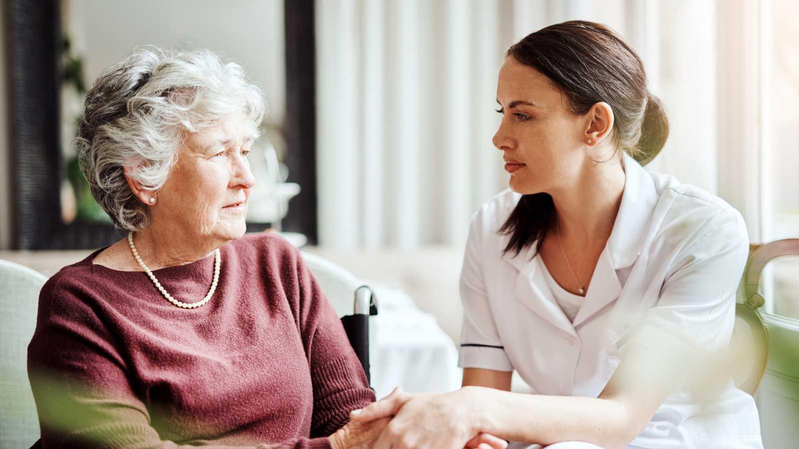 Punto - Formación para cuidadores de personas con alzhéimer - escuchar ahora