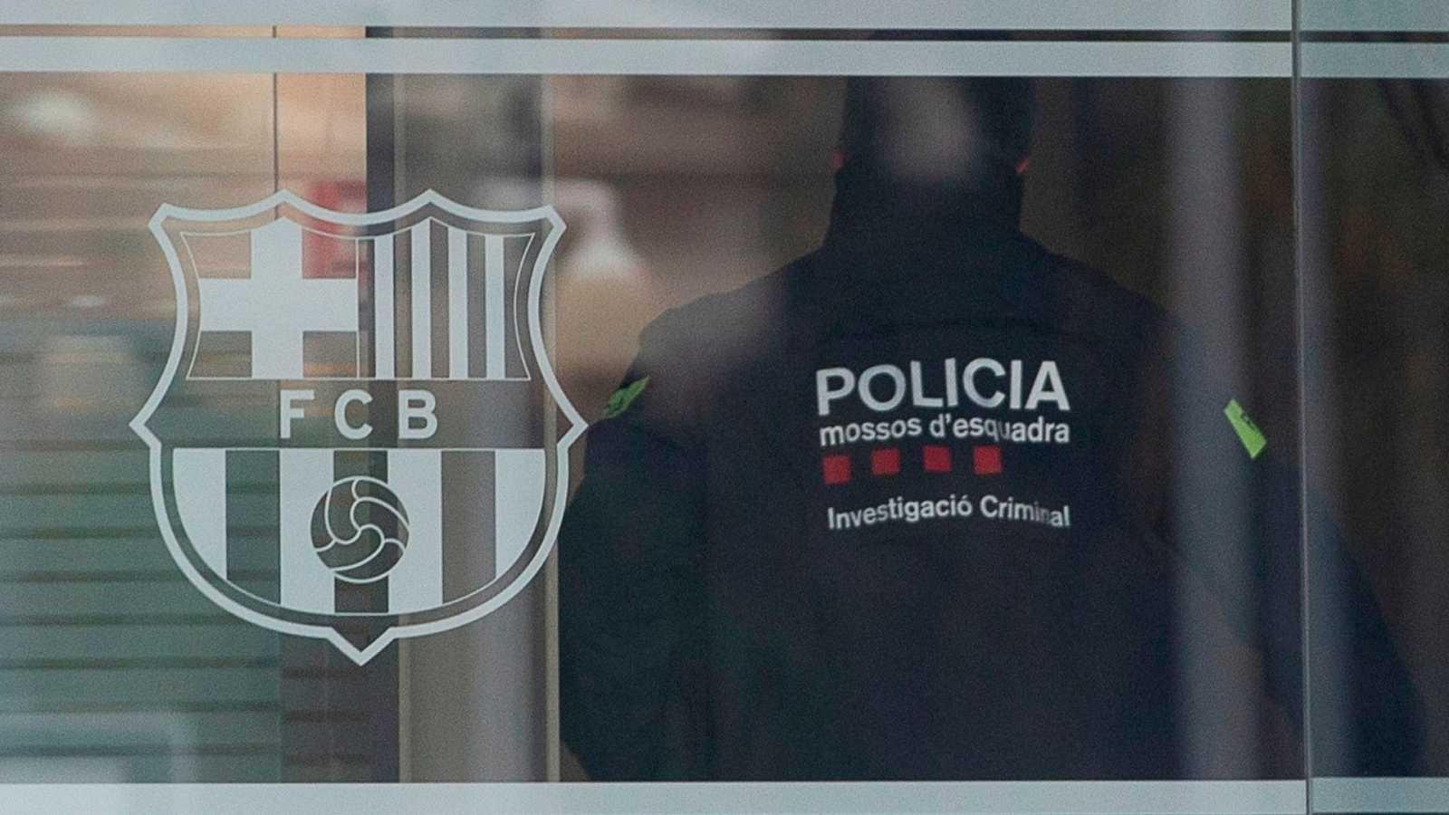 Boletines RNE - Bartomeu queda en libertad con cargos tras negarse a declarar - Escuchar ahora
