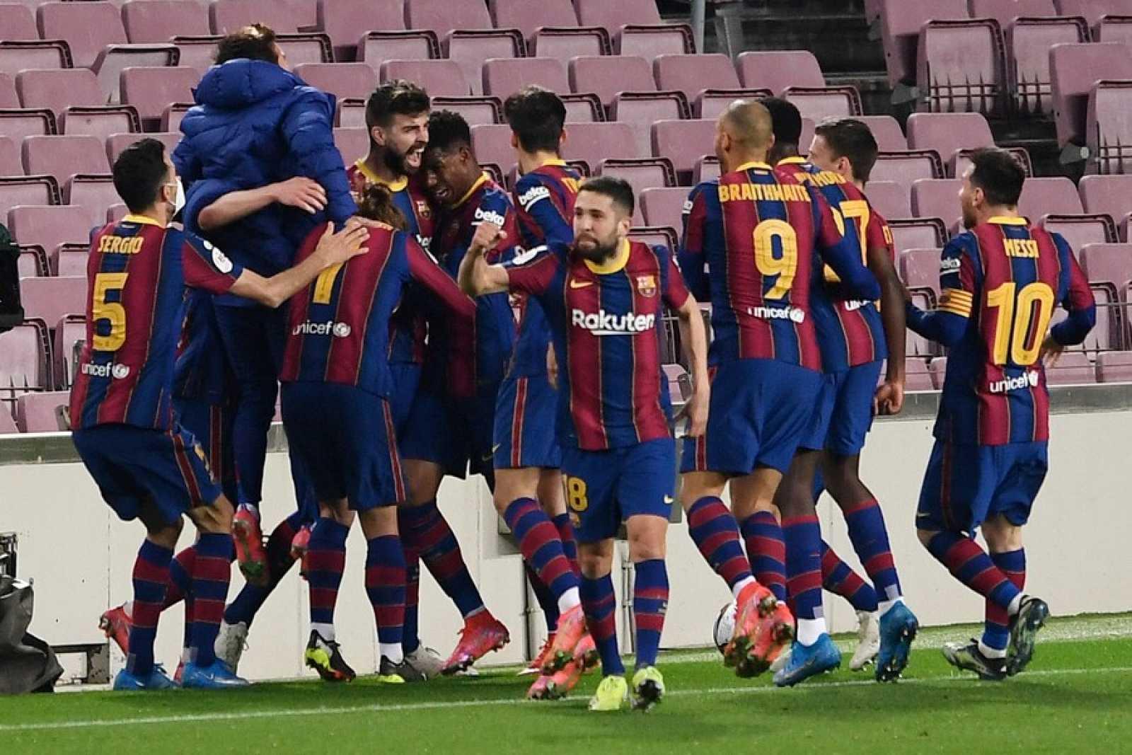 Tablero deportivo - El F.C. Barcelona remonta y se mete en la final de la Copa del Rey - Escuchar ahora