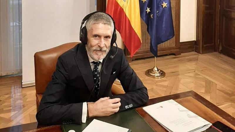 """Las mañanas de RNE con Íñigo Alfonso - Marlaska niega que los disturbios en Cataluña sean terrorismo callejero y pide ser """"cautos en las calificaciones"""" - Escuchar ahora"""