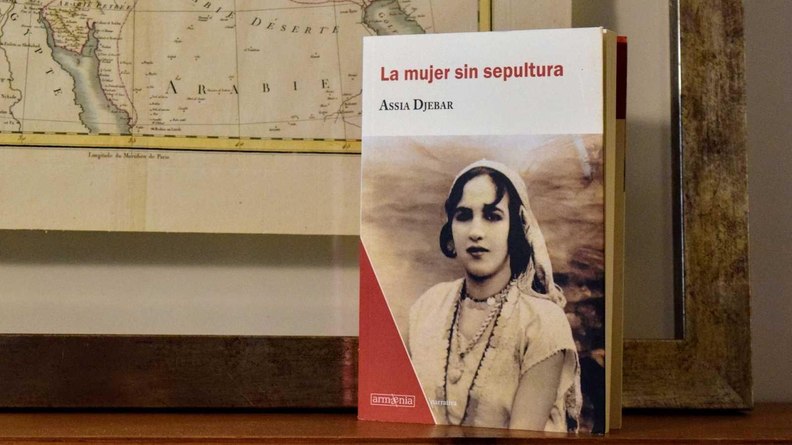 Oxiana - Assia Djebar   La mujer sin sepultura - Escuchar ahora