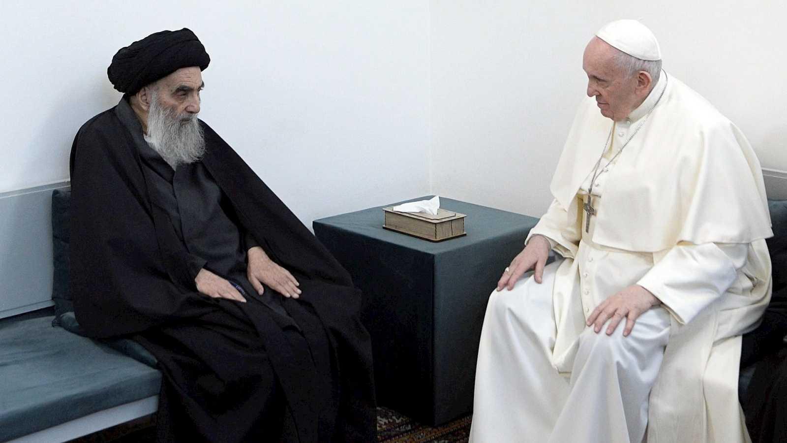 14 horas Fin de Semana - Encuentro histórico entre el Papa Francisco y el principal lider religioso chií Al-Sistani con mensajes de paz y colaboración - Escuchar ahora