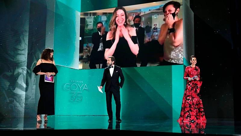 """De película - Pilar Palomero, Goya a la mejor dirección novel: """"Es muy bonito recibir este cariño y este apoyo"""" escuchar ahora"""