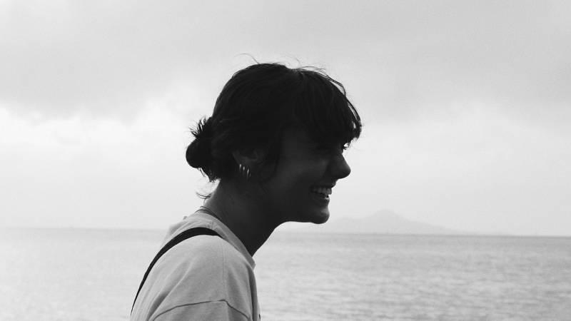 Capitán Demo - Firmado, Carlota - 08/03/21 - escuchar ahora