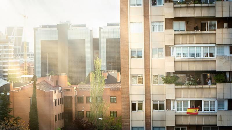 """Las mañanas de RNE con Íñigo Alfonso - Las comunidades de propietarios: """"Necesitamos resolver cuestiones básicas sin tener que reunirnos"""" - escuchar ahora"""