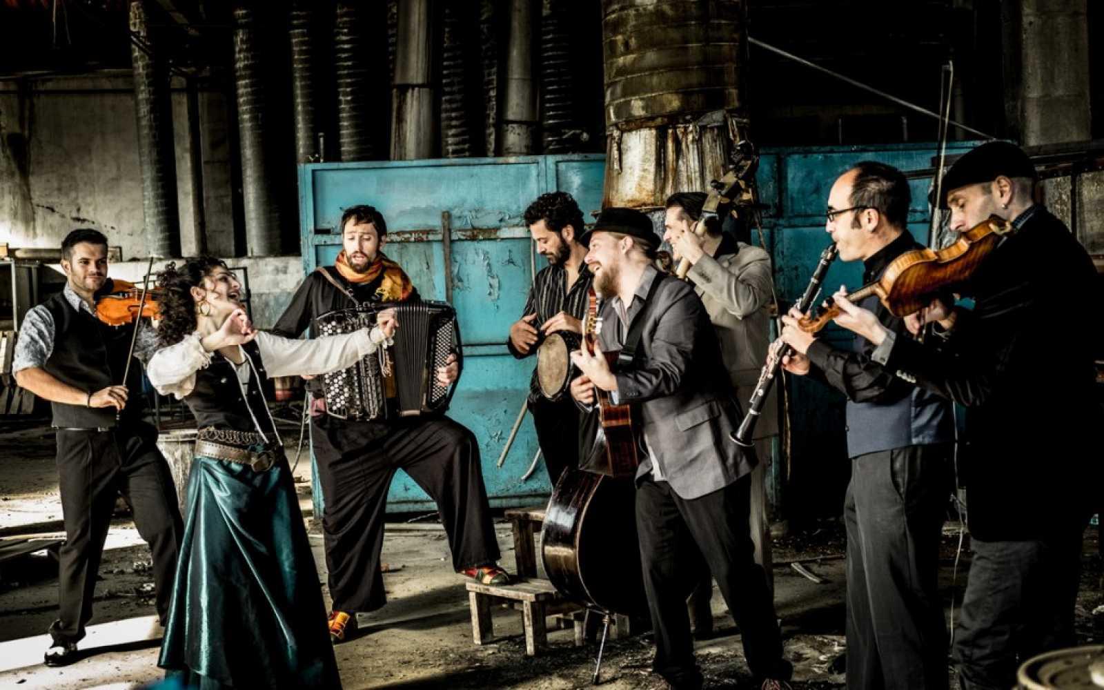 Tradicionàrius - Barcelona Gipsy Balkan Orchestra al Palau de la Música Catalana