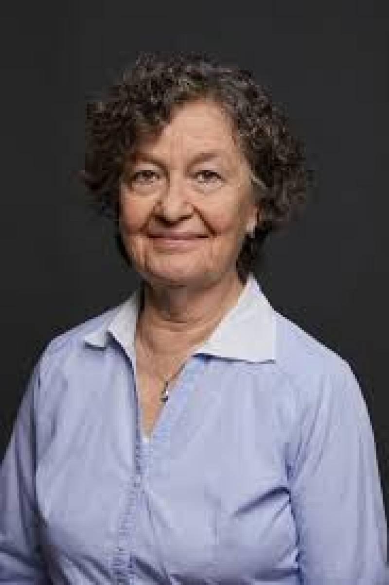 Wonderland - Maria Barbal, Premi d'Honor de les Lletres Catalanes - Escuchar ahora