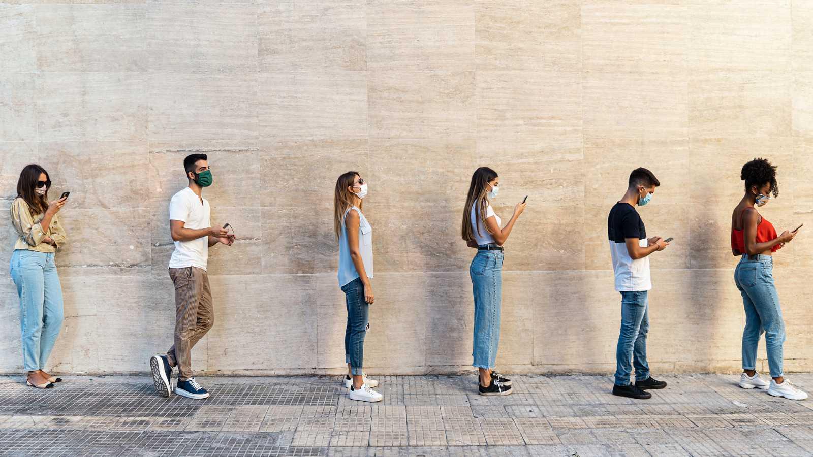Punto de enlace - La pandemia agudiza la precariedad laboral de los jóvenes - escuchar ahora