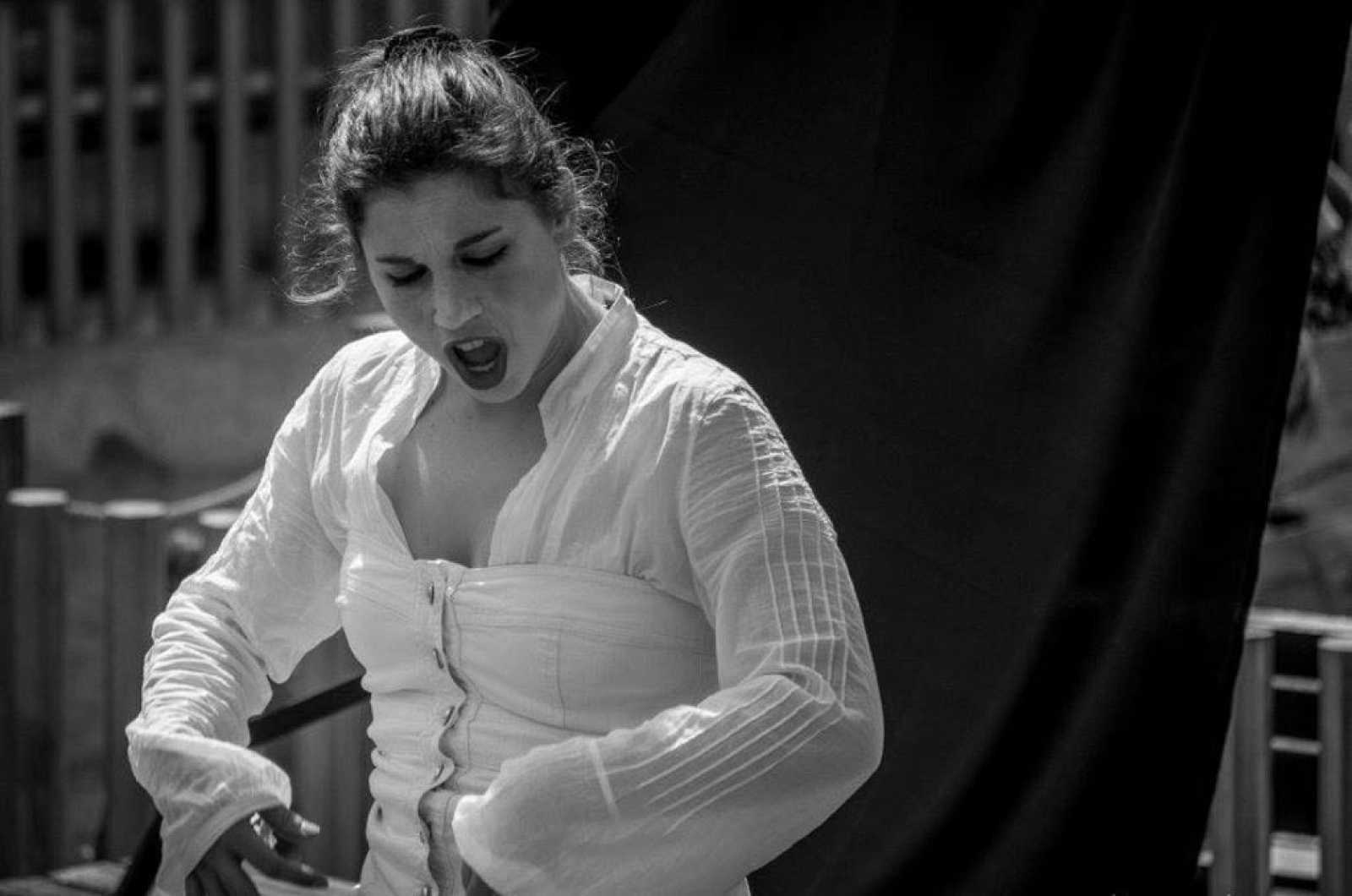 Territori Clandestí - El sector cultural: la dificultat per entrar-hi i la facilitat per sortir-ne