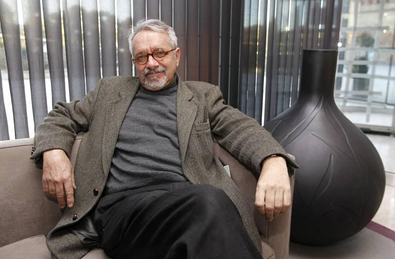 El ojo crítico - Constantino Bértolo se pregunta '¿Quiénes somos?' - 18/03/21 - escuchar ahora