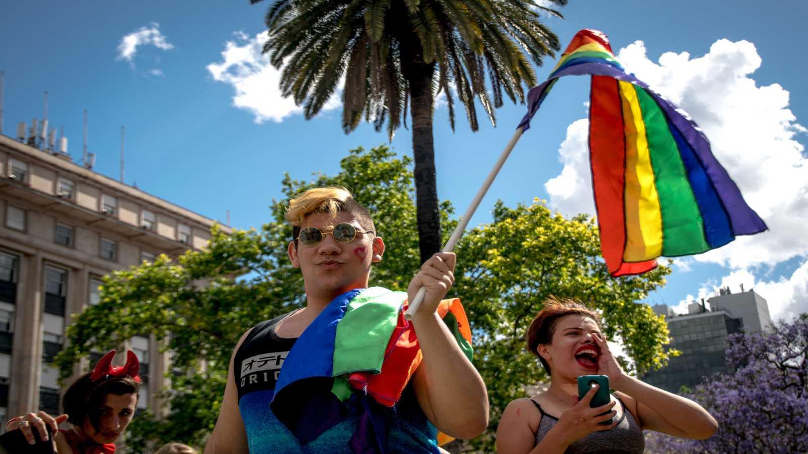 Wisteria Lane - Activistas de América Latina apoyan, en un manifiesto, la ley Trans - 21/03/21 - Escuchar ahora