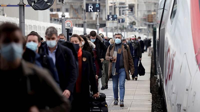 España a las 8 Fin de Semana - Un tercio de la población de Francia afronta nuevas restricciones - Escuchar ahora