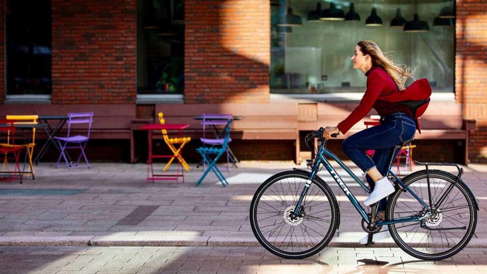 No es un día cualquiera - El uso de la bicicleta - Tertulia - Escuchar ahora