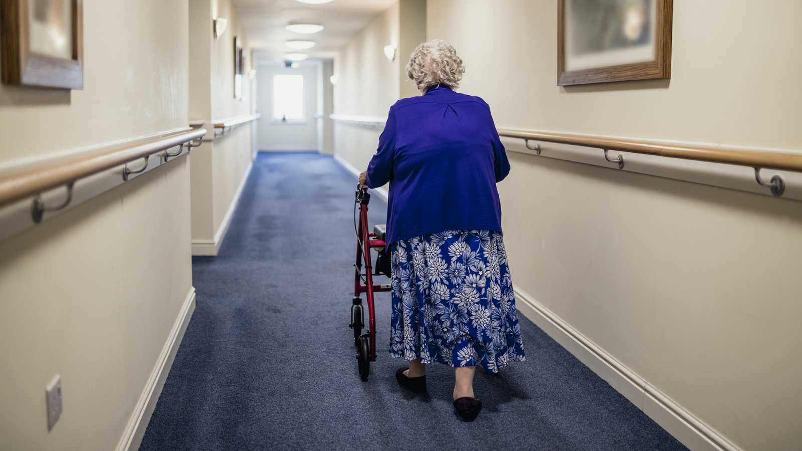 Punto de enlace - España necesita 70.000 camas para dependientes en residencias - escuchar ahora