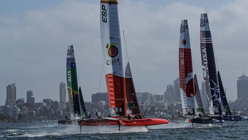 Por tres razones - Los catamaranes más rápidos del mundo se citan en Cádiz - Escuchar ahora