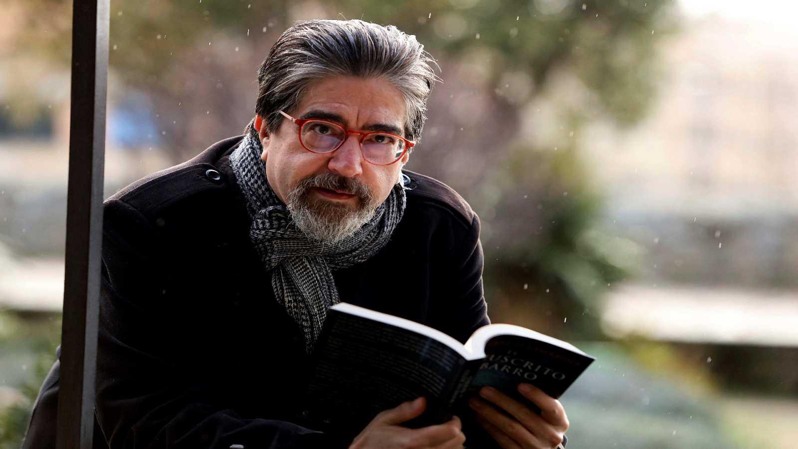 Libros de arena en Radio 5 - Luis García Jambrina y 'El manuscrito de barro' - 24/03/21 - Escuchar ahora