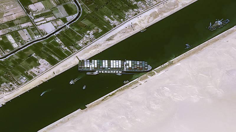 Cinco continentes - La factura del atasco en el Canal de Suez - Escuchar ahora