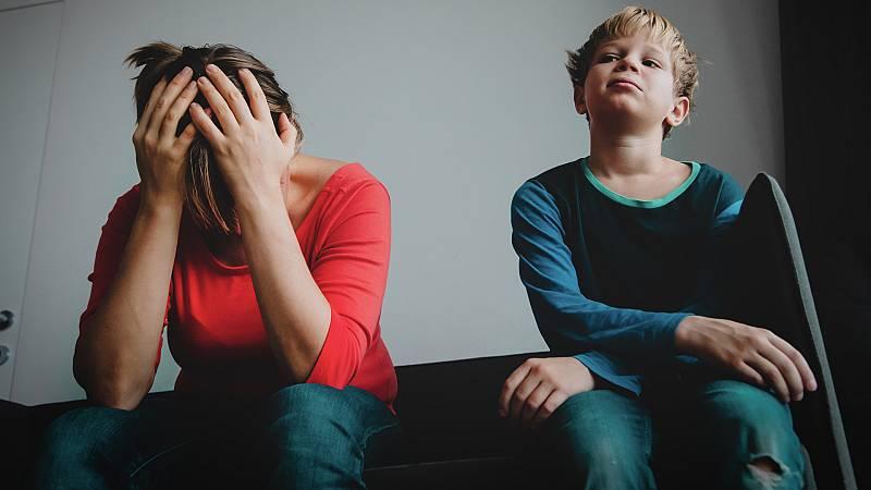 """Por tres razones - Evitar el dolor que provocan los hijos: """"Duelen"""" - Escuchar ahora"""