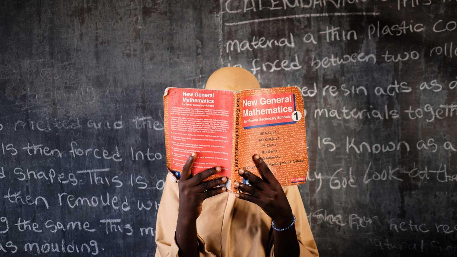 África hoy - Emeke Obanor finalista del XXIV Premio Internacional de Fotografía Humanitaria Luis Valtueña - 31/03/21 - escuchar ahora