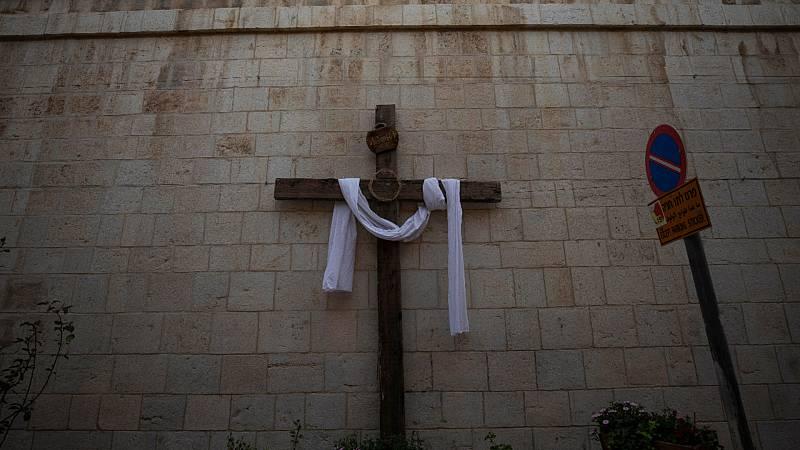 24 horas - Mesa del mundo: una Semana Santa extraña en todo el planeta - Escuchar ahora