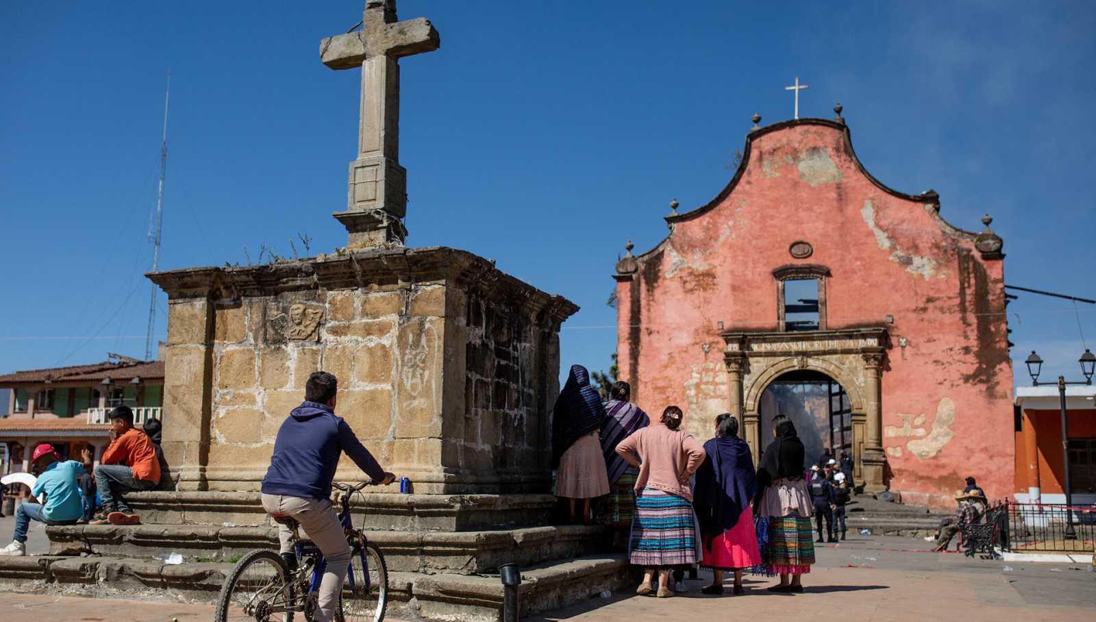 Hora América - Perdida del Patrimonio Cultural: el incendio de la iglesia de Nurío, en Michoacán - 01/04/21- escuchar ahora