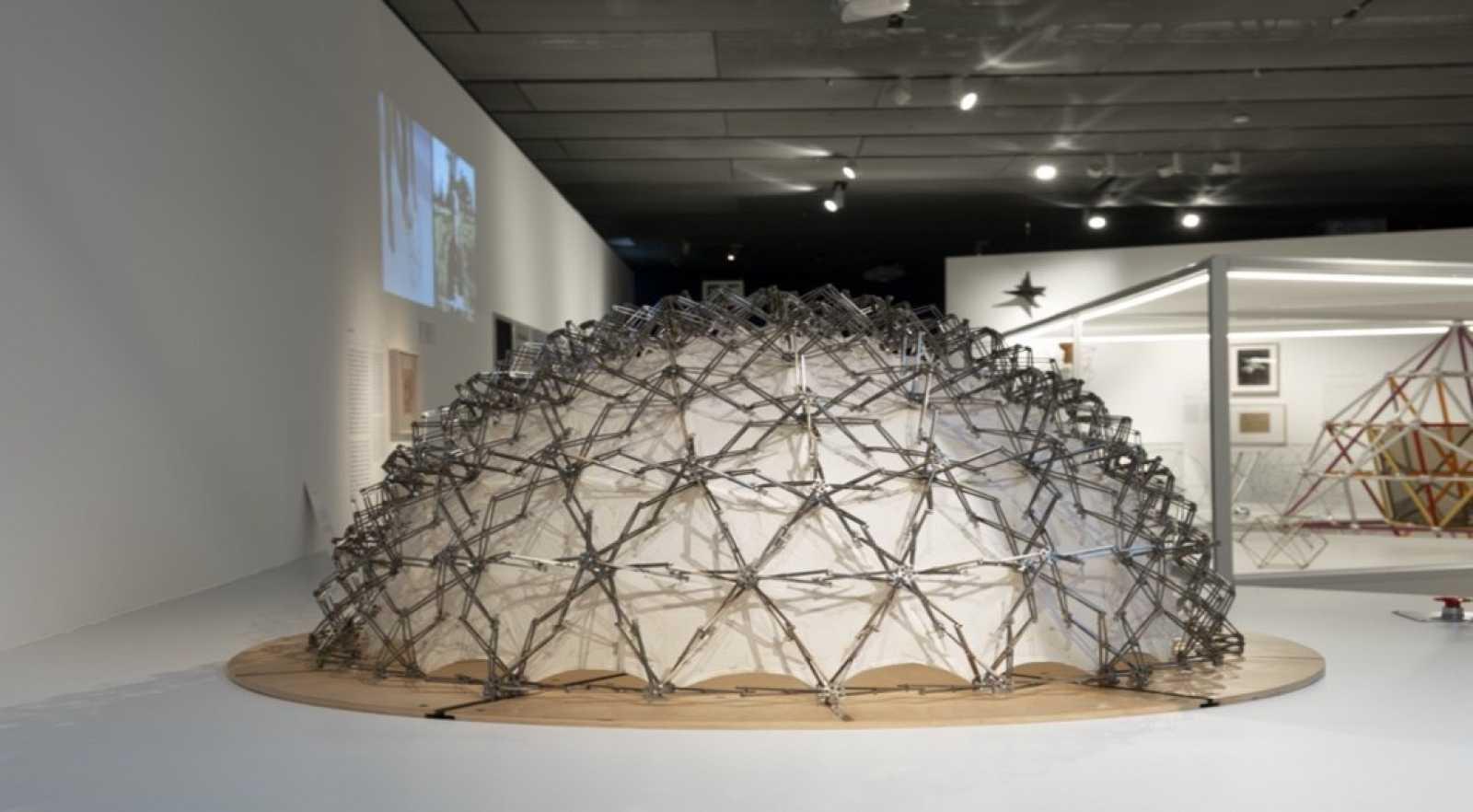 Reserva natural - Fuller: hacer la revolución a través del diseño - 01/04/21 - Escuchar ahora