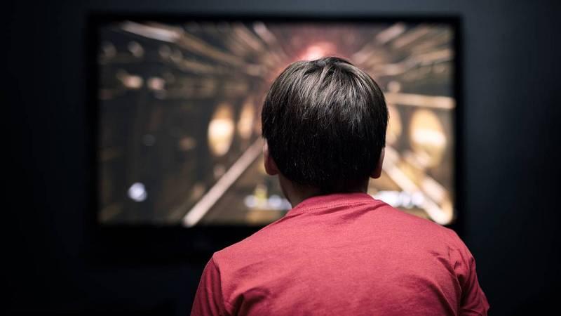 24 horas - Las pantallas y sus problemas: adicción adolescente y discriminación de la mujer - Escuchar ahora