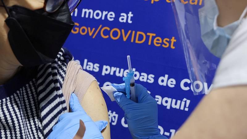 Reportajes 5 continentes - Empieza la vacunación para mayores de 16 años en Nueva York - Escuchar ahora