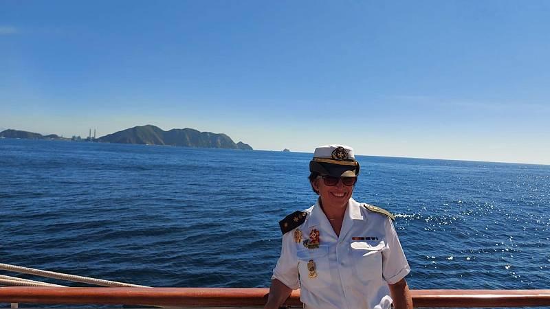 Por tres razones - Una psicóloga a bordo en el Juan Sebastián de Elcano - Escuchar ahora