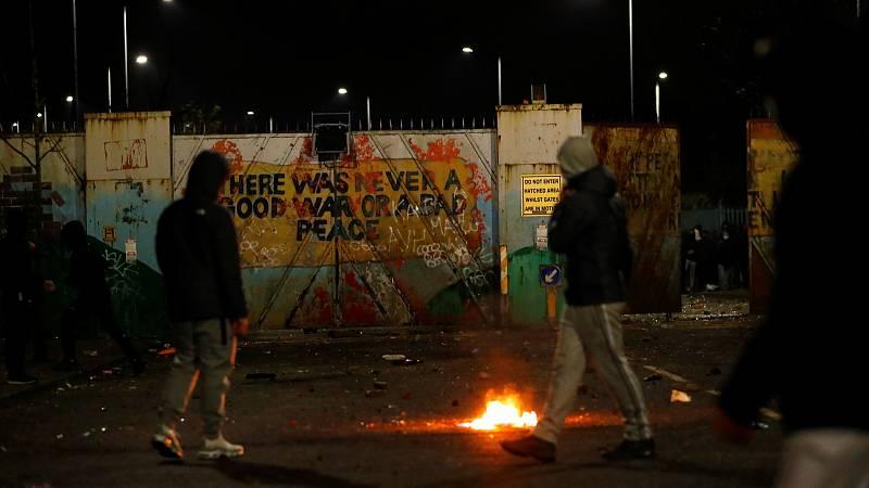 14 horas - Seis días de disturbios reavivan los fantasmas de la violencia en Irlanda del Norte - Escuchar ahora