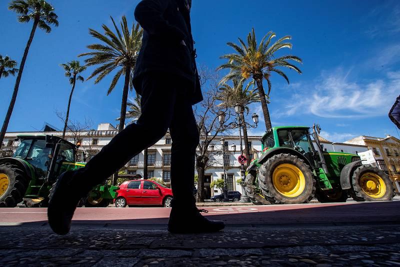 """Las mañanas de RNE con Íñigo Alfonso - Las organizaciones agrarias, contra la nueva PAC : """"Perjudica a los que más lo necesitan""""  - Escuchar ahora"""