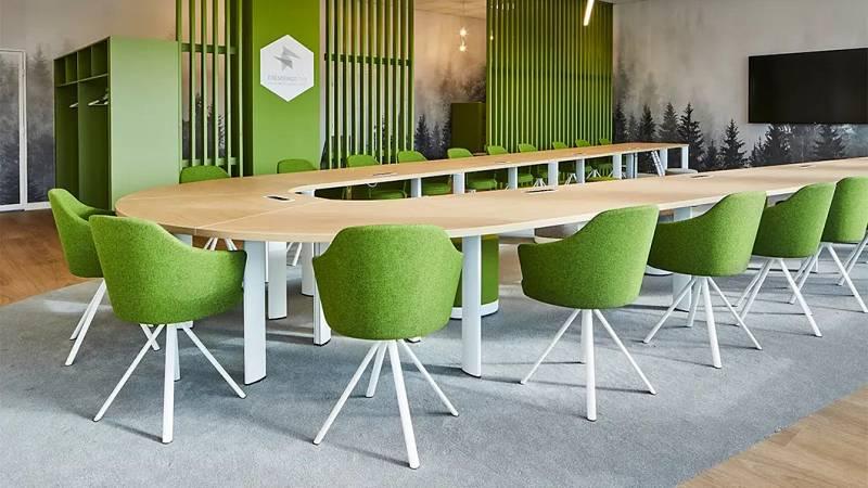 Marca España - Espacios públicos internacionales eligen sillas de alta gama españolas - 09/04/21 - escuchar ahora