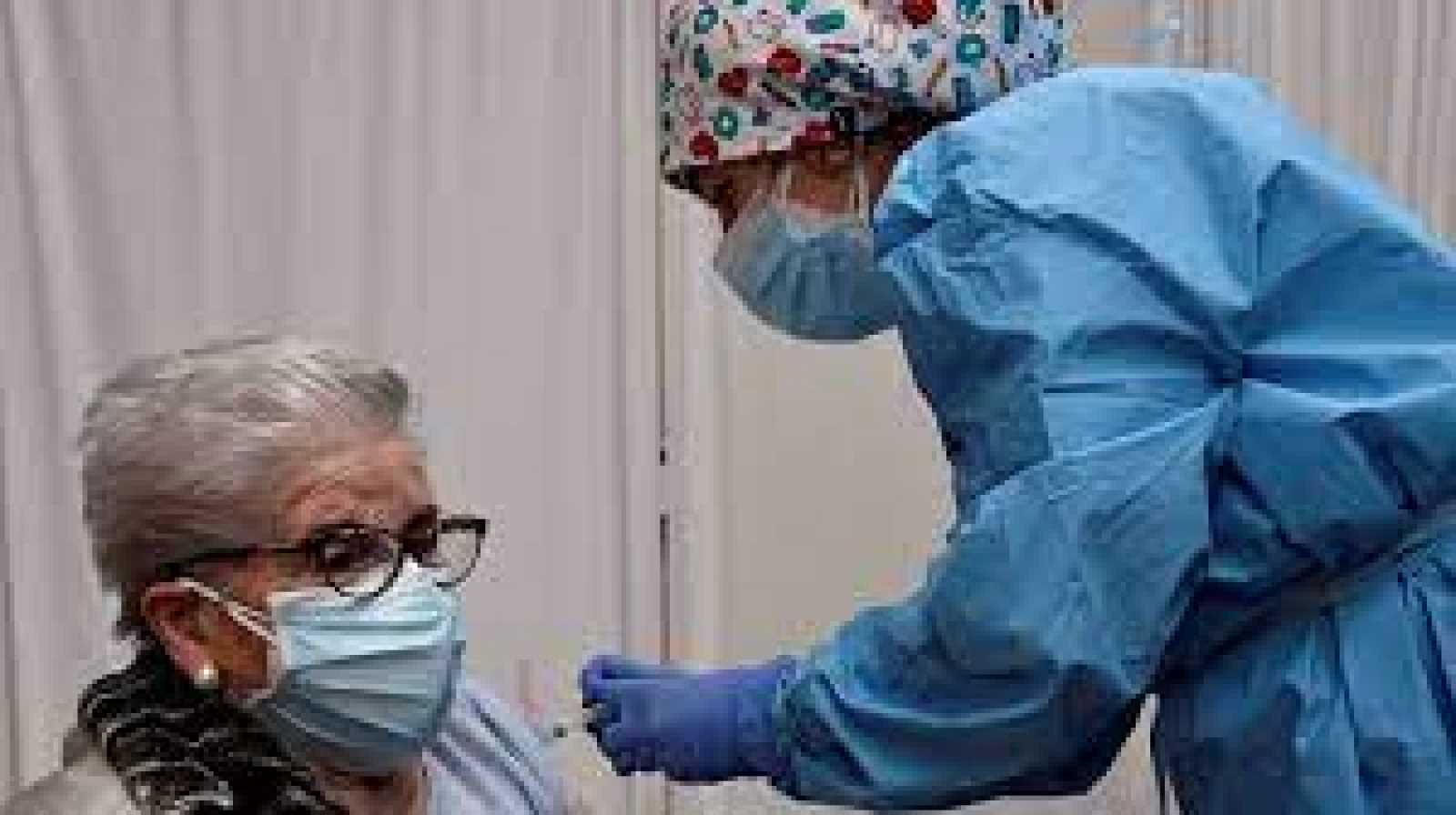 Edició Migdia - Els majors de 80 estaran vacunats aquesta setmana i la que ve es citarà la població de 70 a 79 anys