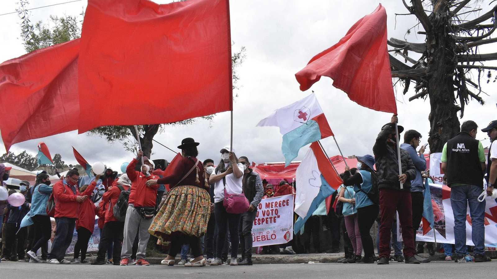 España a las 8 Fin de Semana - Perú afronta elecciones con los sondeos augurando un posible empate entre cinco candidatos - Escuchar ahora
