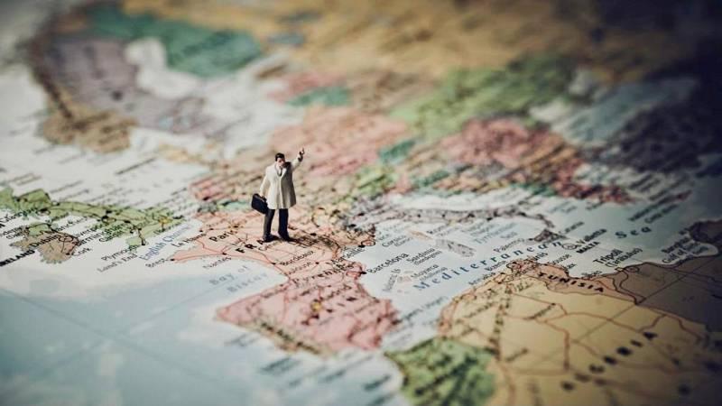 No es un día cualquiera - Mapas geográficos - David Zurdo - Regreso al presente - 11/04/2021 - Escuchar ahora