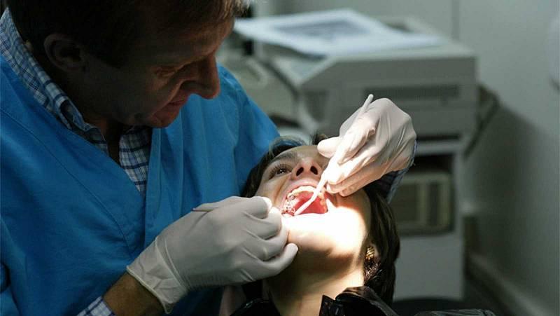L'Ajuntament de Barcelona obre el seu segon centre de dentista municipal