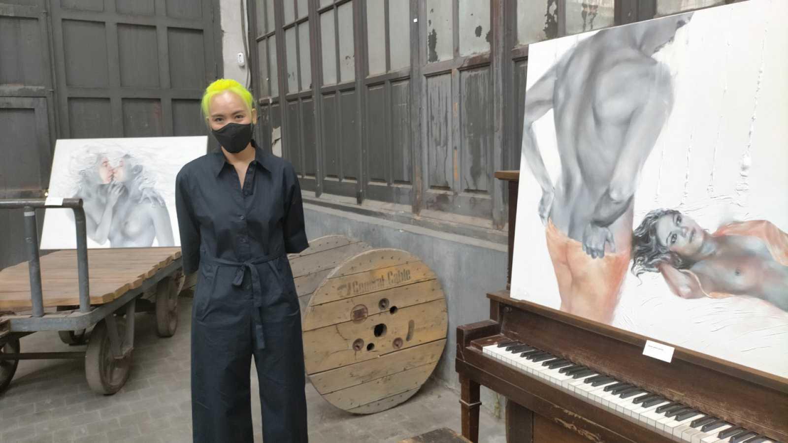 Hora América - La artista costarricense Man Yu expone 'Traje humano' en Madrid  - Escuchar ahora