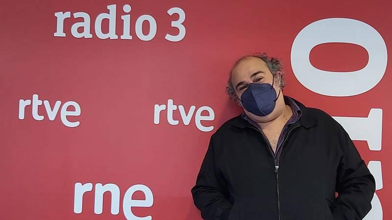 Hoy empieza todo con Marta Echeverría - Músicas a la cazuela, memes y Baudelaire - 16/04/21 - escuchar ahora