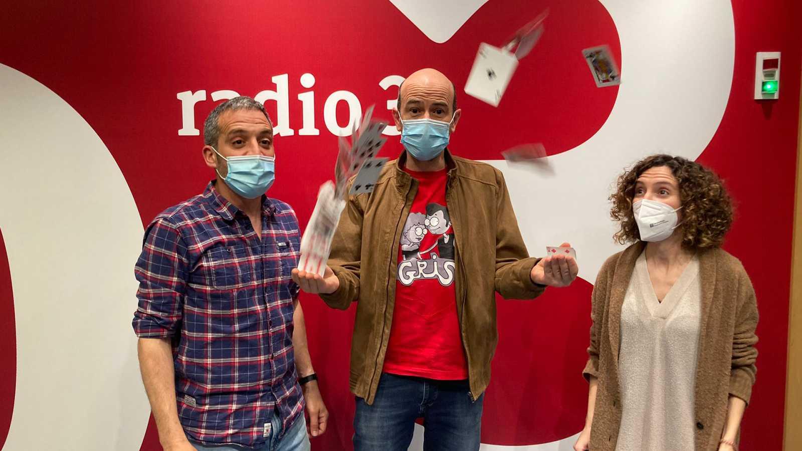 Hoy empieza todo con Ángel Carmona - Sebas Rubín, Mago Jandro y Lisasinson - 19/04/21 - escuchar ahora