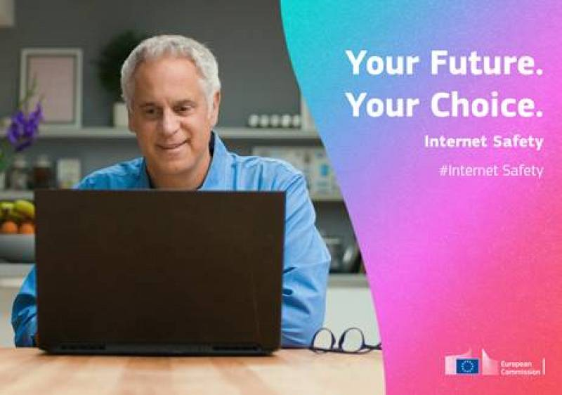 Más cerca - Campaña europea por un ciberconsumo responsable y seguro - Escuchar ahora