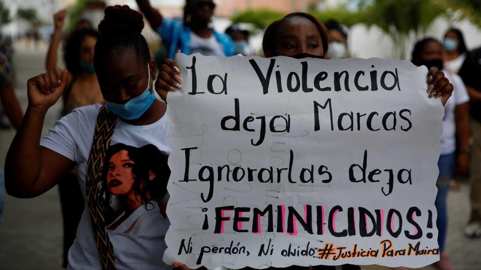 Cinco continentes - Colombia: «es hora de cambiar el rostro a la política» - Escuchar ahora
